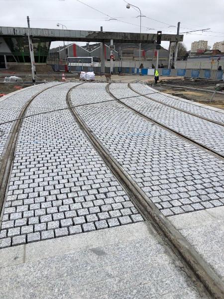 La société Normandie Bordures travaille sur le Tramway de Caen